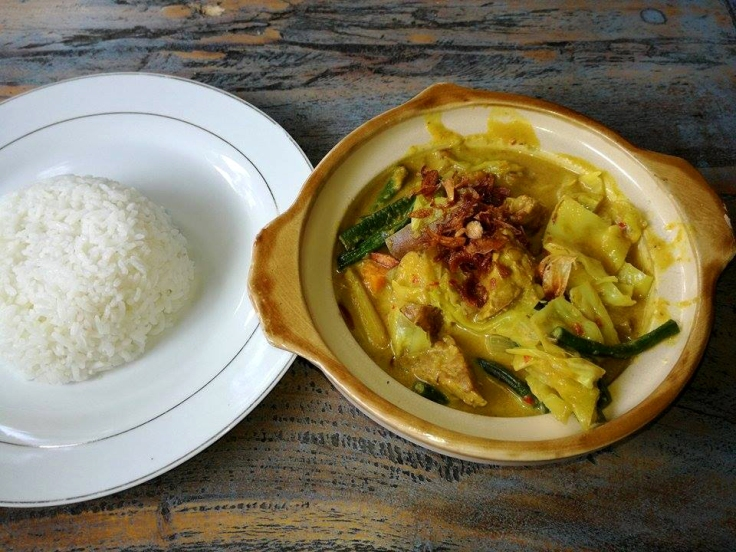 Mixed Vegetable in Curry Sauce (vegan).
