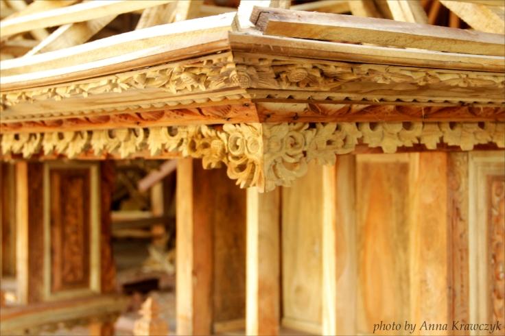 Beautiful handmade woodcarving.