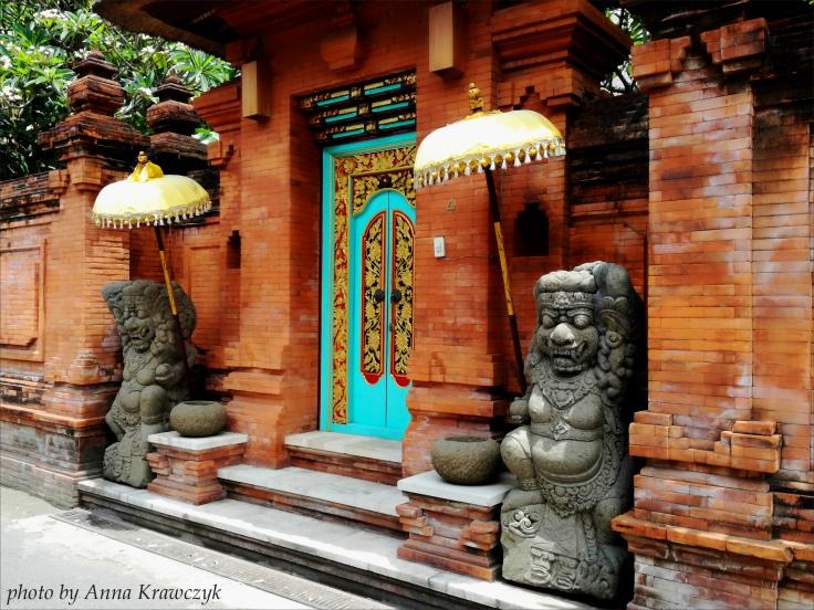 Beautiful wooden doors, Sanur.